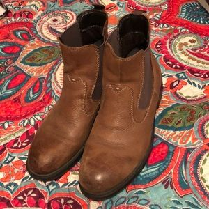 Men's size 10 brown leather boots